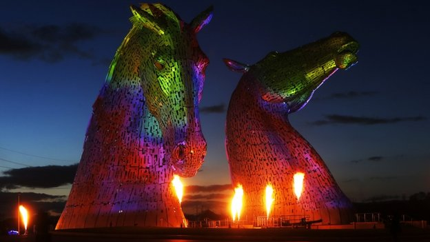 Andy Scott's 30m high sculpture at Grangemouth / Falkirk, beside a motorway...impressive